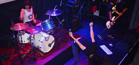 Reviví en imágenes el show de Marky Ramone en Mendoza