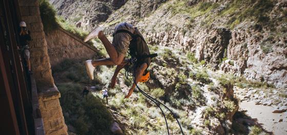 Un shock de adrenalina al vacío - Haciendo Puenting en Mendoza